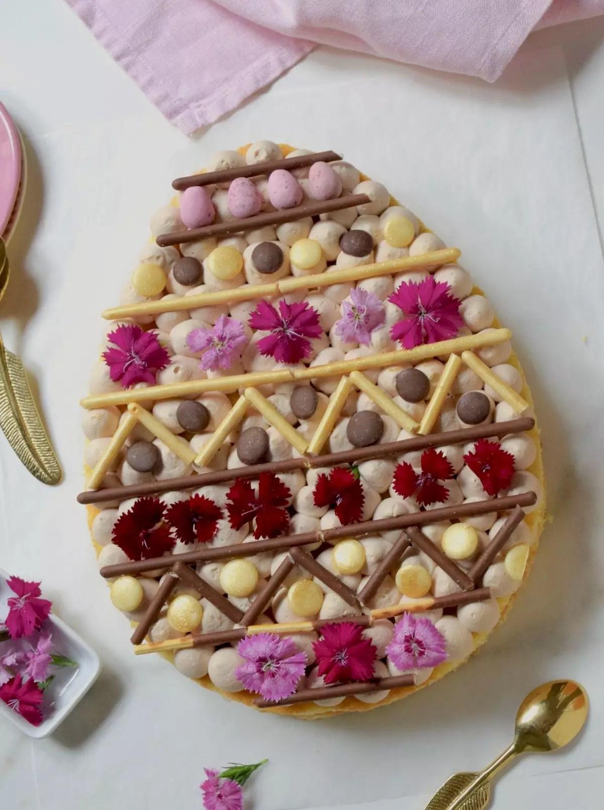 Gâteau oeuf de Pâques et ganache montée Kinder