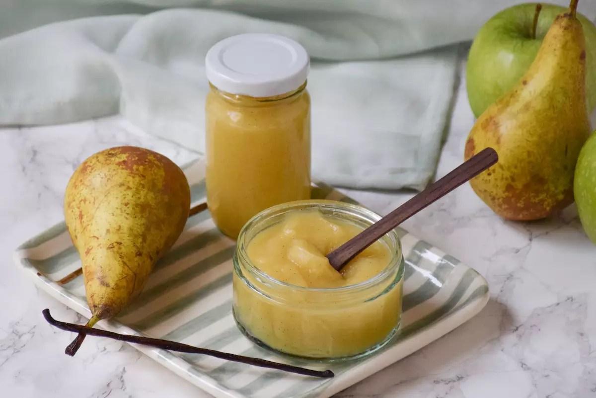 Petit pot bébé: compote pomme poire vanille