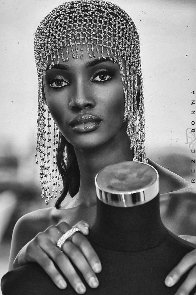 Funmilayo-Akinjiola-Photo-Shoot-african fashion (5)