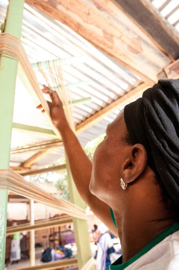 preparing-yarn-for-hand-weaving-in-burkina-faso-anne-mimault-itc-ethical-fashion-initiative-700x1055