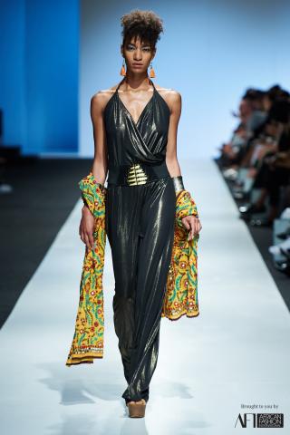 JOANNA HEADLEY mercedes benz fashion week cape town 2017 (14)