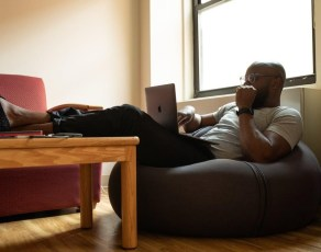 Few Reasons Why You Should Start Working From Home