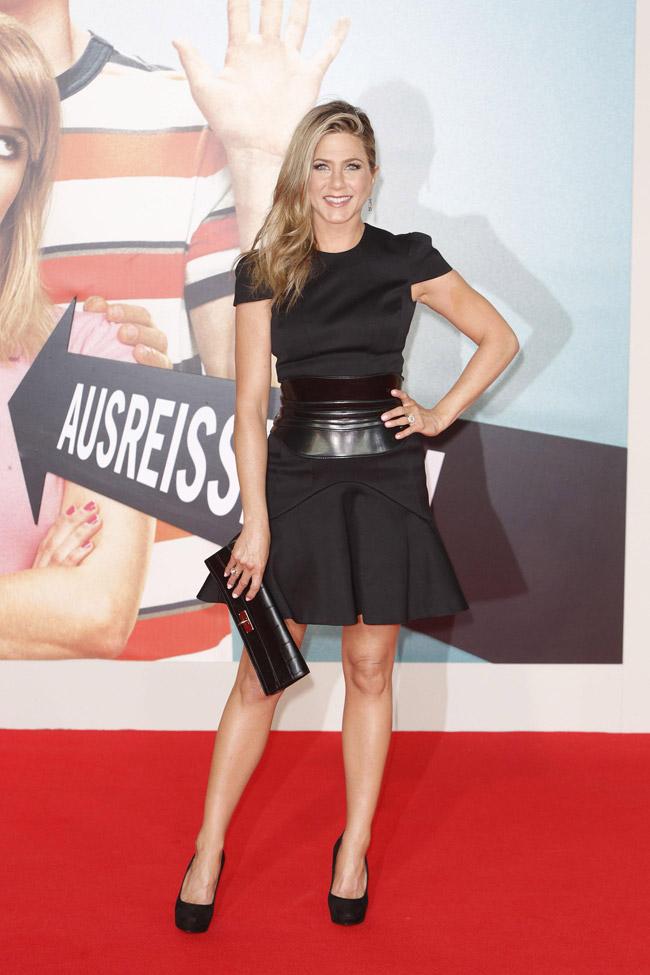 jennifer alexander mcqueen1 Jennifer Aniston Wears Alexander McQueen at the We Are the Millers Berlin Premiere