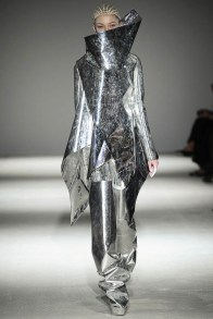 gareth-pugh-fall-winter-2014-show27