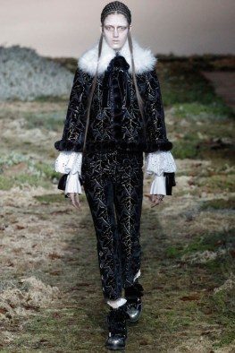 alexander-mcqueen-fall-winter-2014-show5