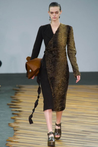 celine-fall-winter-2014-show38