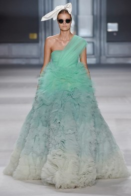 giambattista-valli-fall-2014-haute-couture-show42