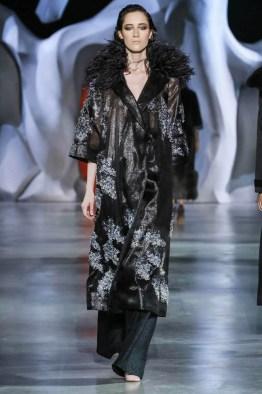 ulyana-sergeenko-2014-fall-haute-couture-show21