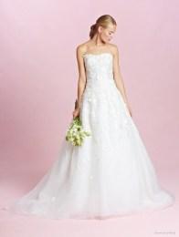 oscar-de-la-renta-2015-fall-wedding-dresses-photos03