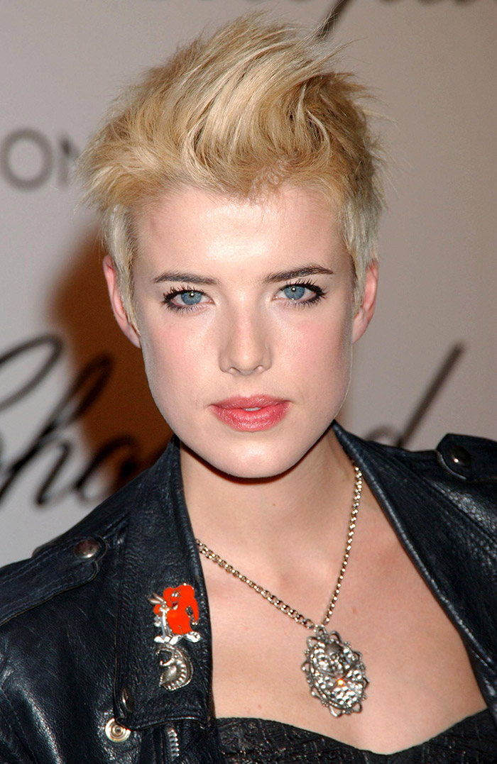 Famous Blonde Girls Short Hair