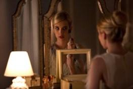 Emma-Roberts-Scream-Queens-Mirror