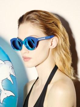 Karen-Walker-Eyewear-Resort-2015-Poolside11