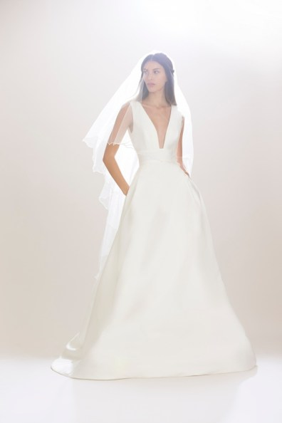 Carolina-Herrera-Bridal-Fall-2016-Wedding-Dresses10