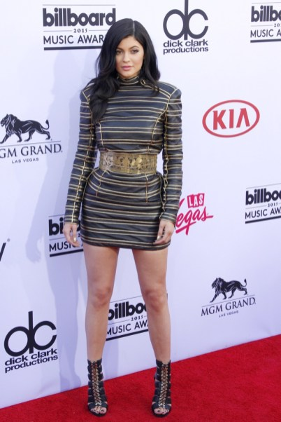 Kylie-Jenner-Balmain-Metallic-Mini-Dress-2015-Billboard-Music-Awards