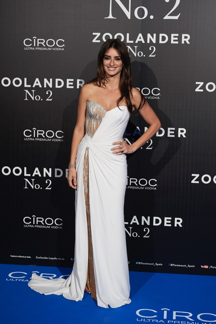 Penelope Cruz attends the Madrid, Spain, premiere of Zoolander 2 wearing a white Atelier Versace dress. Photo: Carlos Alvarez/Getty Images for Paramount