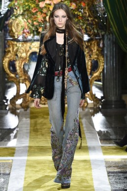 Roberto-Cavalli-2016-Fall-Winter-Runway11