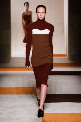 Victoria-Beckham-2016-Fall-Winter-Runway15