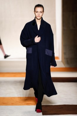 Victoria-Beckham-2016-Fall-Winter-Runway17