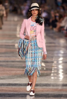 Chanel-Cruise-2017-Runway-Show39