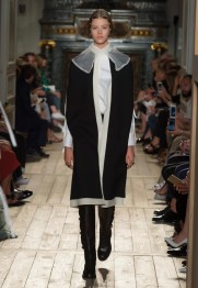 Valentino-Haute-Couture-2016-Fall-Runway-Show04