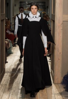 Valentino-Haute-Couture-2016-Fall-Runway-Show12