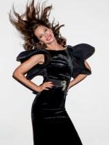Christy-Turlington-Vogue-Paris-April-2017-Cover-Editorial06