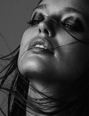 Emily-DiDonato-Nude-Narcisse-Magazine-Spring-Summer-2017-Cover-Editorial15
