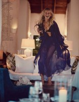 Karolina-Kurkova-ELLE-Italy-May-2017-Cover-Editorial07