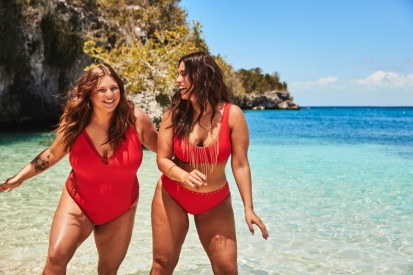 Ashley-Graham-Sister-Swimsuits-For-All-Campaign01