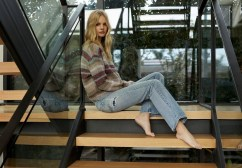 Marloes-Horst-360-Cashmere-Fall-2019-Campaign11