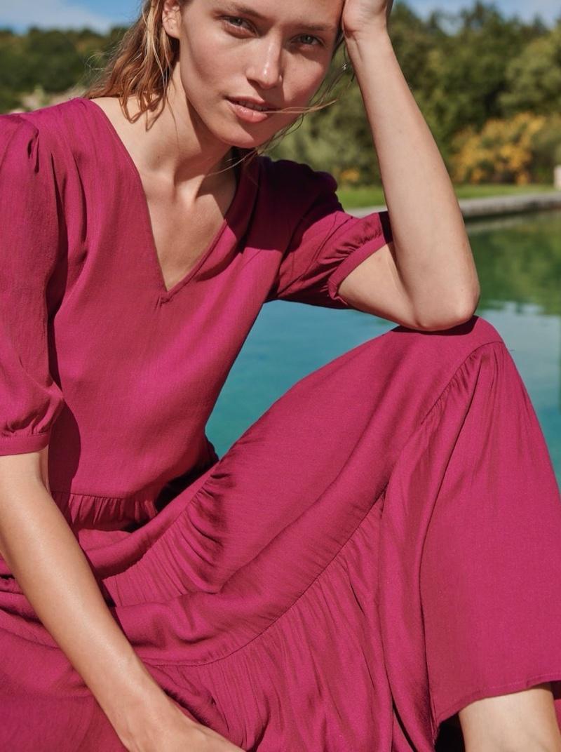 Hana Jirickova Embraces Relaxed Fashion for Oysho Summer 2020