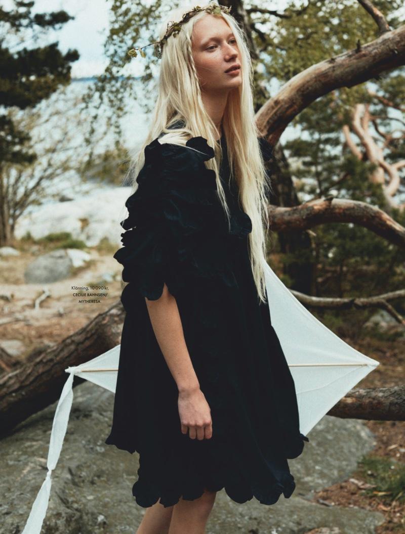 Evelina Lauren Is A Natural Beauty for ELLE Sweden