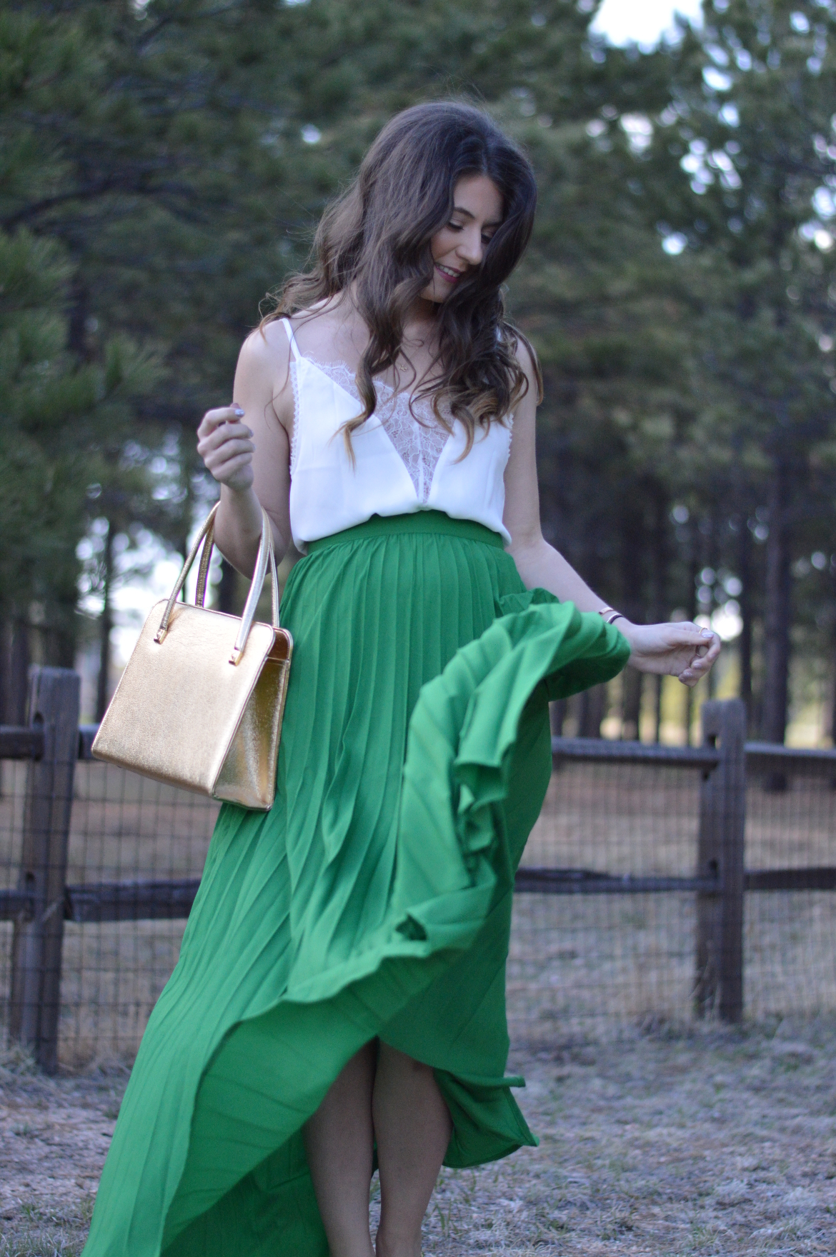 FRIDAY FAVORITES: THE FINAL EDITION green shein skirt pleated maxi skirt flowy kelly green white shein plunge lace top lace camisole golden gold vintage bag structured purse yellow snakeskin vintage kate spade mini wedge colorado springs blogger denver blogger ashleigh jean lopes