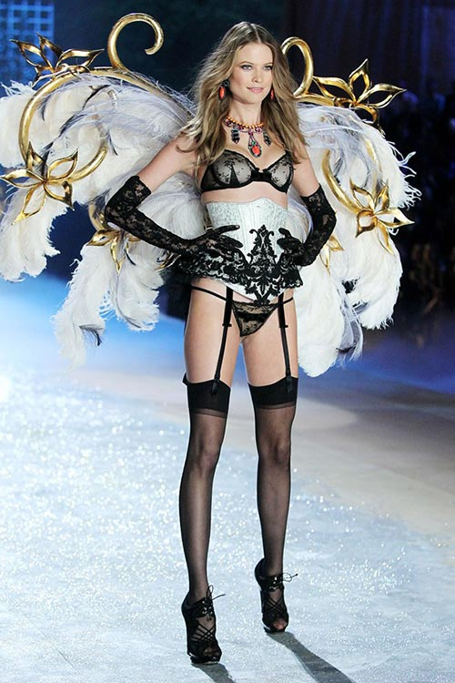 Victoria's Secret Angels Exercise Routines: Behati Prinsloo