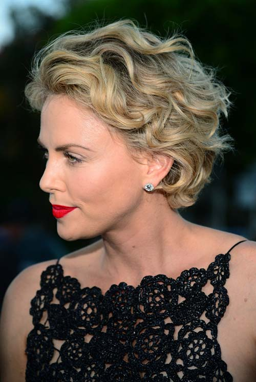 20 Short Hairstyles Celebs Love to Wear: Charlize Theron
