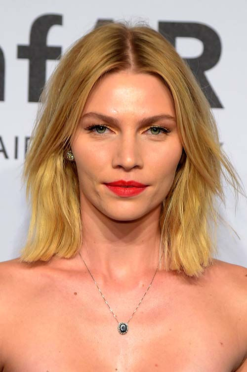 10 Shoulder-Length Layered Hairstyles: Aline Weber