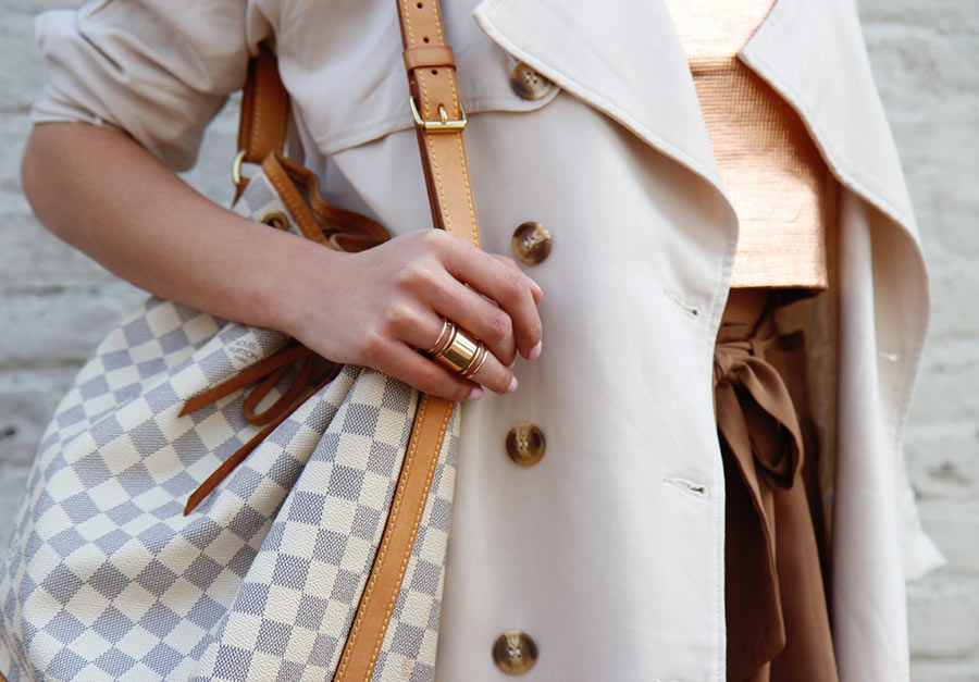 How to Accessorize a Trench Coat