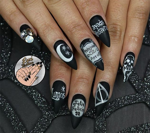 50 Awe-Inspiring Halloween Nail Art Designs