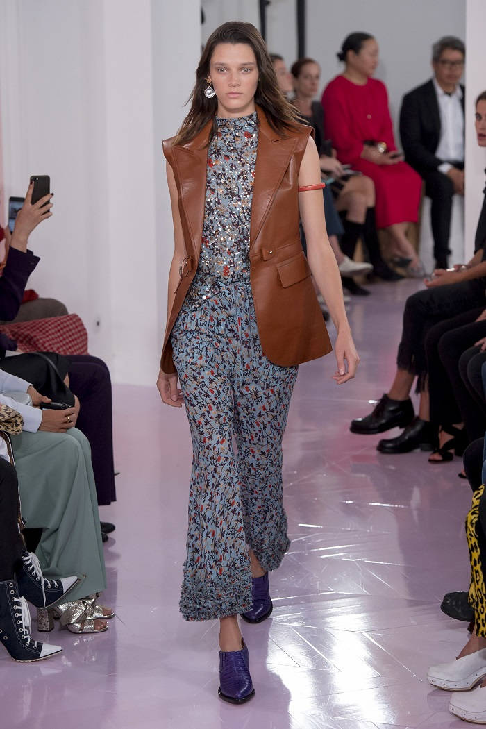 Chloé RTW Spring 2018 Collection at PFW brown leather vest floral jumpsuit
