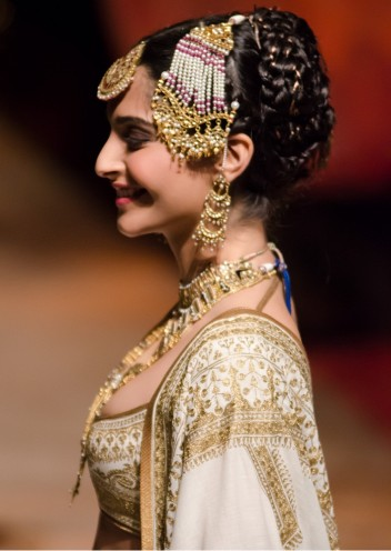 6 Revival Accessories From Solah Shringar For New Age Bride