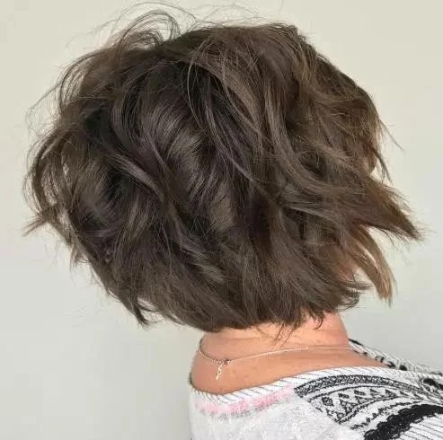 20 Smart And Classy Hairstyles For Women Over 50