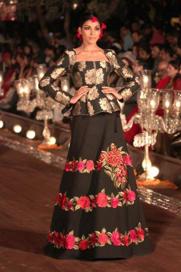 Top 15 Looks From Rohit Bals Collection At WIFW 2015