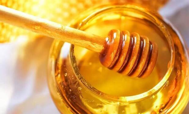 Daily use of Honey and cinnamon for better Health daily use of honey and cinnamon for better health Daily use of Honey and cinnamon for better Health Daily use of Honey and cinnamon for better Health