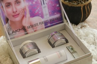 The unit Contains the Accompanying facial massager lakme absolute perfect radiance kit Facial Massager Lakme Absolute Perfect Radiance Kit The unit Contains the Accompanying