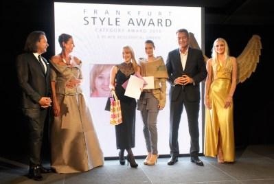 FrankfurtStyleAward_Gala150905_Category-Award-Winner_3.Place-Ecological-Green_Janine-Weigele_DE