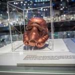 Shopisticated Star Wars: Stormtrooper Helm-Ausstellung mit Berliner Fashion Designer