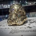 Novalanalove Star Wars: Stormtrooper Helm-Ausstellung mit Berliner Fashion Designer