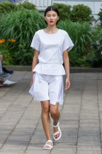 Hien Li-Mercedes-Benz-Fashion-Week-Berlin-SS-17-6013