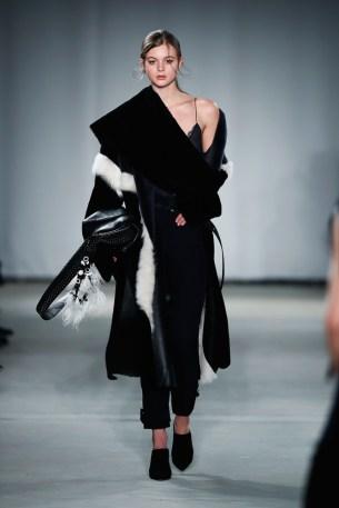 Dorothee Schumacher-Mercedes-Benz-Fashion-Week-Berlin-AW-17-69462