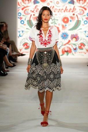 LENA HOSCHEK-Mercedes-Benz-Fashion-Week-Berlin-SS-18-71722